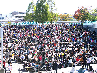 区民祭りのすきっぷ広場