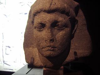 エジプト展の像